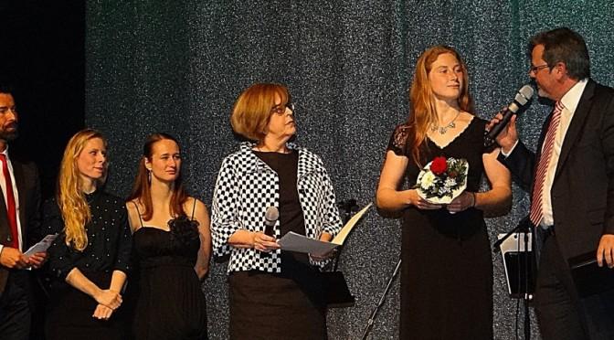 """Julia Hoffmann ist """"Sportlerin des Jahres 2014"""" – Alicia Bohn und Elias Dreismickenbecker vom LSB mit der Meisterehrung bedacht"""